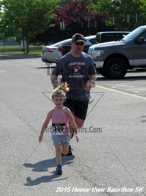 Honor Their Sacrifice 5K<br><br><br><br><a href='http://www.trisportsevents.com/pics/15_Elks_5K_161.JPG' download='15_Elks_5K_161.JPG'>Click here to download.</a><Br><a href='http://www.facebook.com/sharer.php?u=http:%2F%2Fwww.trisportsevents.com%2Fpics%2F15_Elks_5K_161.JPG&t=Honor Their Sacrifice 5K' target='_blank'><img src='images/fb_share.png' width='100'></a>