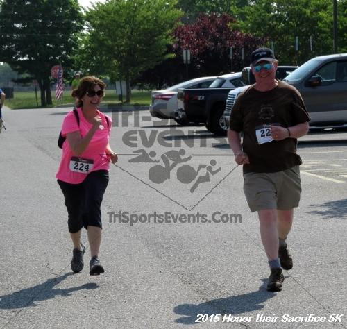 Honor Their Sacrifice 5K<br><br><br><br><a href='http://www.trisportsevents.com/pics/15_Elks_5K_162.JPG' download='15_Elks_5K_162.JPG'>Click here to download.</a><Br><a href='http://www.facebook.com/sharer.php?u=http:%2F%2Fwww.trisportsevents.com%2Fpics%2F15_Elks_5K_162.JPG&t=Honor Their Sacrifice 5K' target='_blank'><img src='images/fb_share.png' width='100'></a>