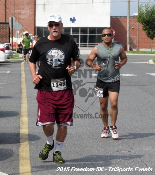 Freedom 5K Run/Walk<br><br><br><br><a href='http://www.trisportsevents.com/pics/15_Freedom_5K_176.JPG' download='15_Freedom_5K_176.JPG'>Click here to download.</a><Br><a href='http://www.facebook.com/sharer.php?u=http:%2F%2Fwww.trisportsevents.com%2Fpics%2F15_Freedom_5K_176.JPG&t=Freedom 5K Run/Walk' target='_blank'><img src='images/fb_share.png' width='100'></a>