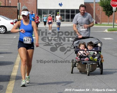Freedom 5K Run/Walk<br><br><br><br><a href='http://www.trisportsevents.com/pics/15_Freedom_5K_184.JPG' download='15_Freedom_5K_184.JPG'>Click here to download.</a><Br><a href='http://www.facebook.com/sharer.php?u=http:%2F%2Fwww.trisportsevents.com%2Fpics%2F15_Freedom_5K_184.JPG&t=Freedom 5K Run/Walk' target='_blank'><img src='images/fb_share.png' width='100'></a>