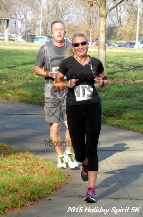 Share the Holiday Spirit 5K<br><br><br><br><a href='https://www.trisportsevents.com/pics/15_Holiday_Spirit_5K_030.JPG' download='15_Holiday_Spirit_5K_030.JPG'>Click here to download.</a><Br><a href='http://www.facebook.com/sharer.php?u=http:%2F%2Fwww.trisportsevents.com%2Fpics%2F15_Holiday_Spirit_5K_030.JPG&t=Share the Holiday Spirit 5K' target='_blank'><img src='images/fb_share.png' width='100'></a>