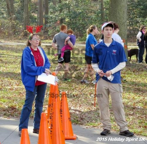 Share the Holiday Spirit 5K<br><br><br><br><a href='http://www.trisportsevents.com/pics/15_Holiday_Spirit_5K_126.JPG' download='15_Holiday_Spirit_5K_126.JPG'>Click here to download.</a><Br><a href='http://www.facebook.com/sharer.php?u=http:%2F%2Fwww.trisportsevents.com%2Fpics%2F15_Holiday_Spirit_5K_126.JPG&t=Share the Holiday Spirit 5K' target='_blank'><img src='images/fb_share.png' width='100'></a>