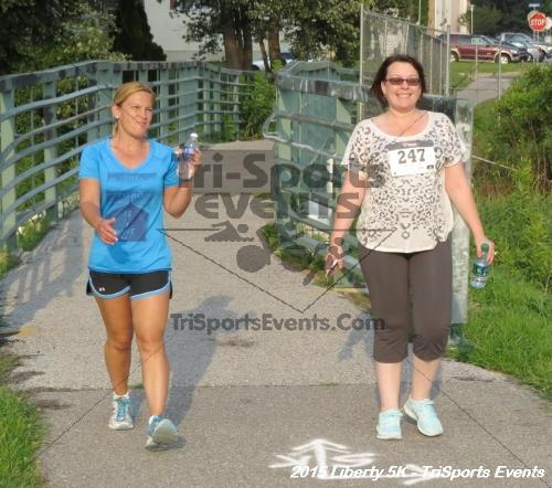 Liberty 5K Run/Walk<br><br><br><br><a href='http://www.trisportsevents.com/pics/15_Liberty_5K_092.JPG' download='15_Liberty_5K_092.JPG'>Click here to download.</a><Br><a href='http://www.facebook.com/sharer.php?u=http:%2F%2Fwww.trisportsevents.com%2Fpics%2F15_Liberty_5K_092.JPG&t=Liberty 5K Run/Walk' target='_blank'><img src='images/fb_share.png' width='100'></a>