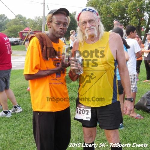 Liberty 5K Run/Walk<br><br><br><br><a href='http://www.trisportsevents.com/pics/15_Liberty_5K_194.JPG' download='15_Liberty_5K_194.JPG'>Click here to download.</a><Br><a href='http://www.facebook.com/sharer.php?u=http:%2F%2Fwww.trisportsevents.com%2Fpics%2F15_Liberty_5K_194.JPG&t=Liberty 5K Run/Walk' target='_blank'><img src='images/fb_share.png' width='100'></a>