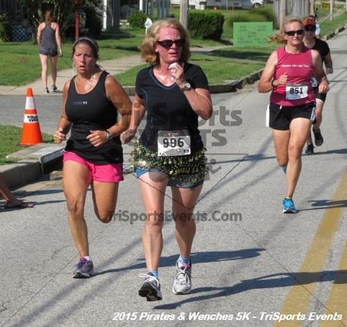 Pirates & Wenches 5K Run/Walk<br><br><br><br><a href='https://www.trisportsevents.com/pics/15_Pirates_&_Wenches_5K_138.JPG' download='15_Pirates_&_Wenches_5K_138.JPG'>Click here to download.</a><Br><a href='http://www.facebook.com/sharer.php?u=http:%2F%2Fwww.trisportsevents.com%2Fpics%2F15_Pirates_&_Wenches_5K_138.JPG&t=Pirates & Wenches 5K Run/Walk' target='_blank'><img src='images/fb_share.png' width='100'></a>