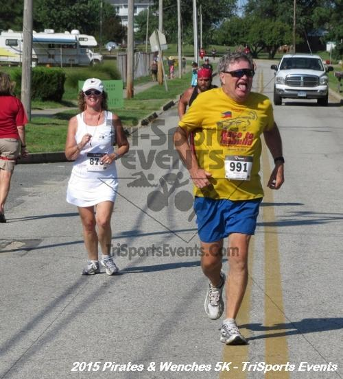 Pirates & Wenches 5K Run/Walk<br><br><br><br><a href='https://www.trisportsevents.com/pics/15_Pirates_&_Wenches_5K_156.JPG' download='15_Pirates_&_Wenches_5K_156.JPG'>Click here to download.</a><Br><a href='http://www.facebook.com/sharer.php?u=http:%2F%2Fwww.trisportsevents.com%2Fpics%2F15_Pirates_&_Wenches_5K_156.JPG&t=Pirates & Wenches 5K Run/Walk' target='_blank'><img src='images/fb_share.png' width='100'></a>