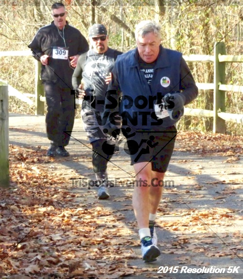 Resolution 5K Run/Walk<br><br><br><br><a href='http://www.trisportsevents.com/pics/15_Resolution_5K_066.JPG' download='15_Resolution_5K_066.JPG'>Click here to download.</a><Br><a href='http://www.facebook.com/sharer.php?u=http:%2F%2Fwww.trisportsevents.com%2Fpics%2F15_Resolution_5K_066.JPG&t=Resolution 5K Run/Walk' target='_blank'><img src='images/fb_share.png' width='100'></a>