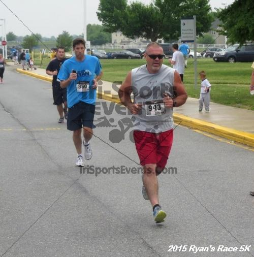 Ryan's Race 5K<br><br><br><br><a href='http://www.trisportsevents.com/pics/15_Ryan's_Race_5K_141.JPG' download='15_Ryan's_Race_5K_141.JPG'>Click here to download.</a><Br><a href='http://www.facebook.com/sharer.php?u=http:%2F%2Fwww.trisportsevents.com%2Fpics%2F15_Ryan's_Race_5K_141.JPG&t=Ryan's Race 5K' target='_blank'><img src='images/fb_share.png' width='100'></a>