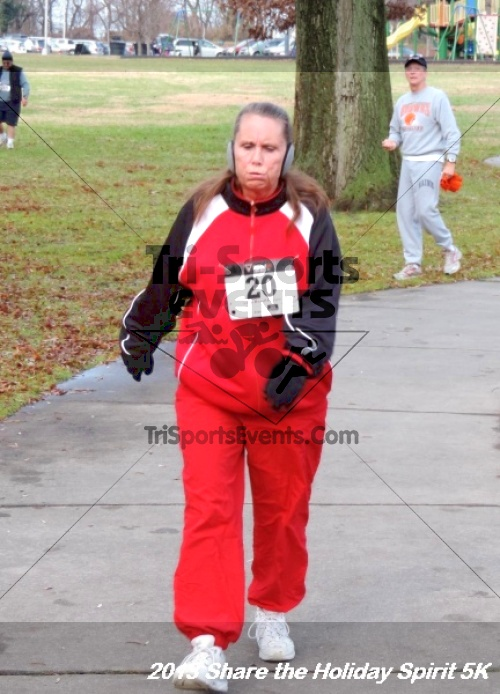 Share the Holiday Spirit 5K<br><br><br><br><a href='http://www.trisportsevents.com/pics/164.JPG' download='164.JPG'>Click here to download.</a><Br><a href='http://www.facebook.com/sharer.php?u=http:%2F%2Fwww.trisportsevents.com%2Fpics%2F164.JPG&t=Share the Holiday Spirit 5K' target='_blank'><img src='images/fb_share.png' width='100'></a>