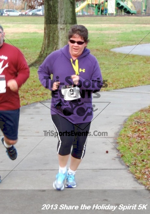 Share the Holiday Spirit 5K<br><br><br><br><a href='http://www.trisportsevents.com/pics/165.JPG' download='165.JPG'>Click here to download.</a><Br><a href='http://www.facebook.com/sharer.php?u=http:%2F%2Fwww.trisportsevents.com%2Fpics%2F165.JPG&t=Share the Holiday Spirit 5K' target='_blank'><img src='images/fb_share.png' width='100'></a>