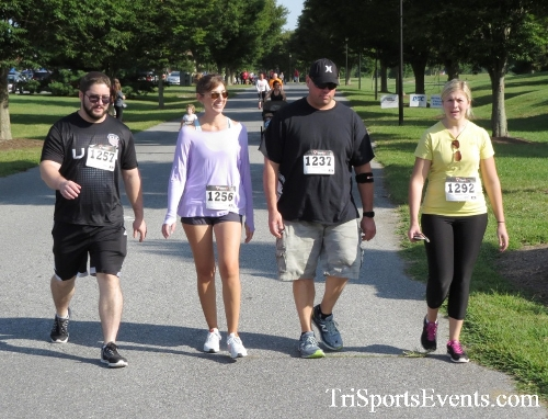BrainStrong 5K Run/Walk<br><br><br><br><a href='https://www.trisportsevents.com/pics/16_BrainStrong_5K_050.JPG' download='16_BrainStrong_5K_050.JPG'>Click here to download.</a><Br><a href='http://www.facebook.com/sharer.php?u=http:%2F%2Fwww.trisportsevents.com%2Fpics%2F16_BrainStrong_5K_050.JPG&t=BrainStrong 5K Run/Walk' target='_blank'><img src='images/fb_share.png' width='100'></a>