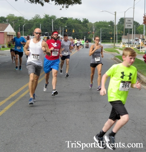 COPS & Robbers 5K Run/Walk<br><br><br><br><a href='https://www.trisportsevents.com/pics/16_COPS_&_Robbers_5K_011.JPG' download='16_COPS_&_Robbers_5K_011.JPG'>Click here to download.</a><Br><a href='http://www.facebook.com/sharer.php?u=http:%2F%2Fwww.trisportsevents.com%2Fpics%2F16_COPS_&_Robbers_5K_011.JPG&t=COPS & Robbers 5K Run/Walk' target='_blank'><img src='images/fb_share.png' width='100'></a>
