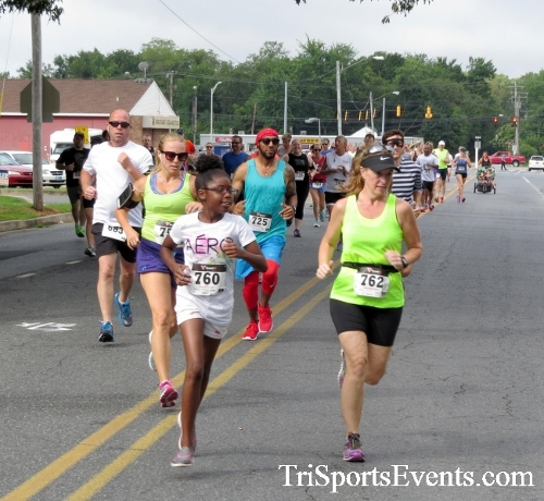COPS & Robbers 5K Run/Walk<br><br><br><br><a href='http://www.trisportsevents.com/pics/16_COPS_&_Robbers_5K_013.JPG' download='16_COPS_&_Robbers_5K_013.JPG'>Click here to download.</a><Br><a href='http://www.facebook.com/sharer.php?u=http:%2F%2Fwww.trisportsevents.com%2Fpics%2F16_COPS_&_Robbers_5K_013.JPG&t=COPS & Robbers 5K Run/Walk' target='_blank'><img src='images/fb_share.png' width='100'></a>