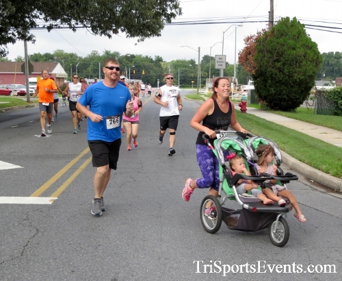 COPS & Robbers 5K Run/Walk<br><br><br><br><a href='http://www.trisportsevents.com/pics/16_COPS_&_Robbers_5K_021.JPG' download='16_COPS_&_Robbers_5K_021.JPG'>Click here to download.</a><Br><a href='http://www.facebook.com/sharer.php?u=http:%2F%2Fwww.trisportsevents.com%2Fpics%2F16_COPS_&_Robbers_5K_021.JPG&t=COPS & Robbers 5K Run/Walk' target='_blank'><img src='images/fb_share.png' width='100'></a>