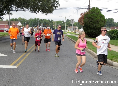 COPS & Robbers 5K Run/Walk<br><br><br><br><a href='http://www.trisportsevents.com/pics/16_COPS_&_Robbers_5K_022.JPG' download='16_COPS_&_Robbers_5K_022.JPG'>Click here to download.</a><Br><a href='http://www.facebook.com/sharer.php?u=http:%2F%2Fwww.trisportsevents.com%2Fpics%2F16_COPS_&_Robbers_5K_022.JPG&t=COPS & Robbers 5K Run/Walk' target='_blank'><img src='images/fb_share.png' width='100'></a>