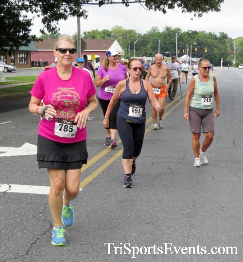COPS & Robbers 5K Run/Walk<br><br><br><br><a href='https://www.trisportsevents.com/pics/16_COPS_&_Robbers_5K_025.JPG' download='16_COPS_&_Robbers_5K_025.JPG'>Click here to download.</a><Br><a href='http://www.facebook.com/sharer.php?u=http:%2F%2Fwww.trisportsevents.com%2Fpics%2F16_COPS_&_Robbers_5K_025.JPG&t=COPS & Robbers 5K Run/Walk' target='_blank'><img src='images/fb_share.png' width='100'></a>