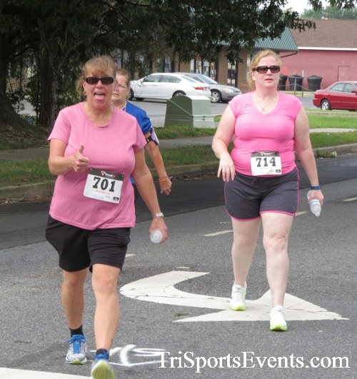 COPS & Robbers 5K Run/Walk<br><br><br><br><a href='https://www.trisportsevents.com/pics/16_COPS_&_Robbers_5K_029.JPG' download='16_COPS_&_Robbers_5K_029.JPG'>Click here to download.</a><Br><a href='http://www.facebook.com/sharer.php?u=http:%2F%2Fwww.trisportsevents.com%2Fpics%2F16_COPS_&_Robbers_5K_029.JPG&t=COPS & Robbers 5K Run/Walk' target='_blank'><img src='images/fb_share.png' width='100'></a>
