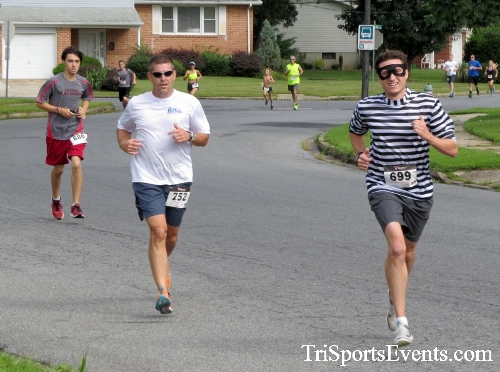 COPS & Robbers 5K Run/Walk<br><br><br><br><a href='https://www.trisportsevents.com/pics/16_COPS_&_Robbers_5K_033.JPG' download='16_COPS_&_Robbers_5K_033.JPG'>Click here to download.</a><Br><a href='http://www.facebook.com/sharer.php?u=http:%2F%2Fwww.trisportsevents.com%2Fpics%2F16_COPS_&_Robbers_5K_033.JPG&t=COPS & Robbers 5K Run/Walk' target='_blank'><img src='images/fb_share.png' width='100'></a>