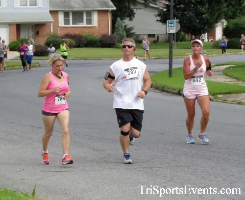COPS & Robbers 5K Run/Walk<br><br><br><br><a href='http://www.trisportsevents.com/pics/16_COPS_&_Robbers_5K_054.JPG' download='16_COPS_&_Robbers_5K_054.JPG'>Click here to download.</a><Br><a href='http://www.facebook.com/sharer.php?u=http:%2F%2Fwww.trisportsevents.com%2Fpics%2F16_COPS_&_Robbers_5K_054.JPG&t=COPS & Robbers 5K Run/Walk' target='_blank'><img src='images/fb_share.png' width='100'></a>