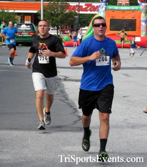 COPS & Robbers 5K Run/Walk<br><br><br><br><a href='http://www.trisportsevents.com/pics/16_COPS_&_Robbers_5K_105.JPG' download='16_COPS_&_Robbers_5K_105.JPG'>Click here to download.</a><Br><a href='http://www.facebook.com/sharer.php?u=http:%2F%2Fwww.trisportsevents.com%2Fpics%2F16_COPS_&_Robbers_5K_105.JPG&t=COPS & Robbers 5K Run/Walk' target='_blank'><img src='images/fb_share.png' width='100'></a>
