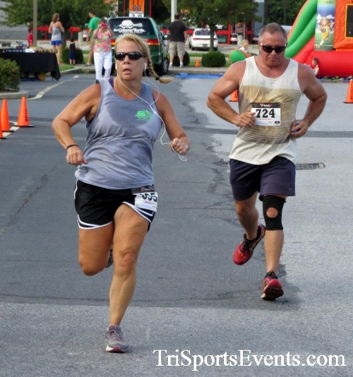 COPS & Robbers 5K Run/Walk<br><br><br><br><a href='https://www.trisportsevents.com/pics/16_COPS_&_Robbers_5K_135.JPG' download='16_COPS_&_Robbers_5K_135.JPG'>Click here to download.</a><Br><a href='http://www.facebook.com/sharer.php?u=http:%2F%2Fwww.trisportsevents.com%2Fpics%2F16_COPS_&_Robbers_5K_135.JPG&t=COPS & Robbers 5K Run/Walk' target='_blank'><img src='images/fb_share.png' width='100'></a>