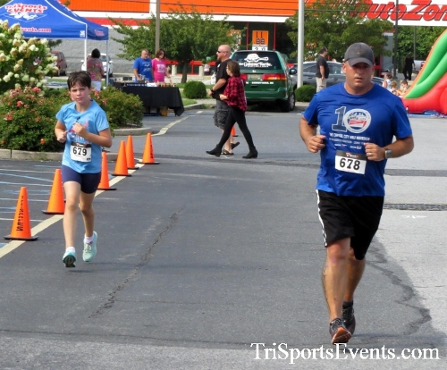 COPS & Robbers 5K Run/Walk<br><br><br><br><a href='http://www.trisportsevents.com/pics/16_COPS_&_Robbers_5K_139.JPG' download='16_COPS_&_Robbers_5K_139.JPG'>Click here to download.</a><Br><a href='http://www.facebook.com/sharer.php?u=http:%2F%2Fwww.trisportsevents.com%2Fpics%2F16_COPS_&_Robbers_5K_139.JPG&t=COPS & Robbers 5K Run/Walk' target='_blank'><img src='images/fb_share.png' width='100'></a>