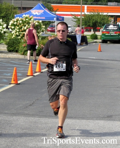 COPS & Robbers 5K Run/Walk<br><br><br><br><a href='http://www.trisportsevents.com/pics/16_COPS_&_Robbers_5K_142.JPG' download='16_COPS_&_Robbers_5K_142.JPG'>Click here to download.</a><Br><a href='http://www.facebook.com/sharer.php?u=http:%2F%2Fwww.trisportsevents.com%2Fpics%2F16_COPS_&_Robbers_5K_142.JPG&t=COPS & Robbers 5K Run/Walk' target='_blank'><img src='images/fb_share.png' width='100'></a>