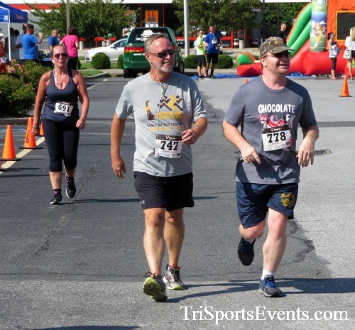 COPS & Robbers 5K Run/Walk<br><br><br><br><a href='http://www.trisportsevents.com/pics/16_COPS_&_Robbers_5K_174.JPG' download='16_COPS_&_Robbers_5K_174.JPG'>Click here to download.</a><Br><a href='http://www.facebook.com/sharer.php?u=http:%2F%2Fwww.trisportsevents.com%2Fpics%2F16_COPS_&_Robbers_5K_174.JPG&t=COPS & Robbers 5K Run/Walk' target='_blank'><img src='images/fb_share.png' width='100'></a>