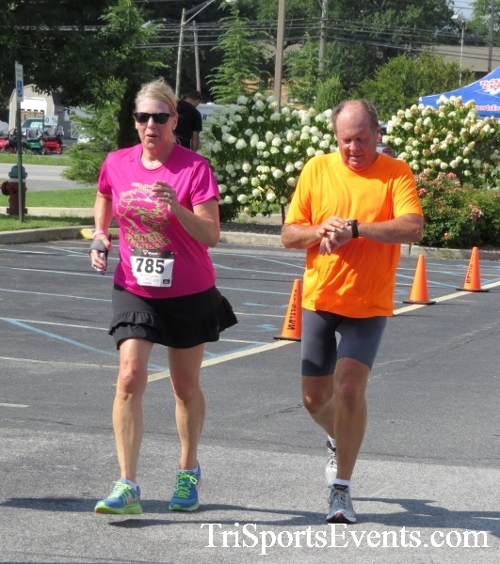 COPS & Robbers 5K Run/Walk<br><br><br><br><a href='http://www.trisportsevents.com/pics/16_COPS_&_Robbers_5K_181.JPG' download='16_COPS_&_Robbers_5K_181.JPG'>Click here to download.</a><Br><a href='http://www.facebook.com/sharer.php?u=http:%2F%2Fwww.trisportsevents.com%2Fpics%2F16_COPS_&_Robbers_5K_181.JPG&t=COPS & Robbers 5K Run/Walk' target='_blank'><img src='images/fb_share.png' width='100'></a>