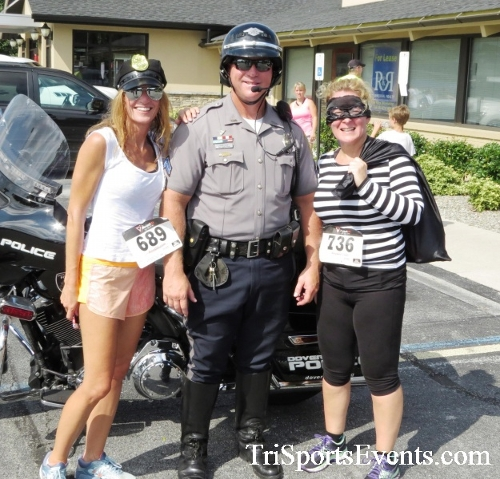 COPS & Robbers 5K Run/Walk<br><br><br><br><a href='https://www.trisportsevents.com/pics/16_COPS_&_Robbers_5K_207.JPG' download='16_COPS_&_Robbers_5K_207.JPG'>Click here to download.</a><Br><a href='http://www.facebook.com/sharer.php?u=http:%2F%2Fwww.trisportsevents.com%2Fpics%2F16_COPS_&_Robbers_5K_207.JPG&t=COPS & Robbers 5K Run/Walk' target='_blank'><img src='images/fb_share.png' width='100'></a>