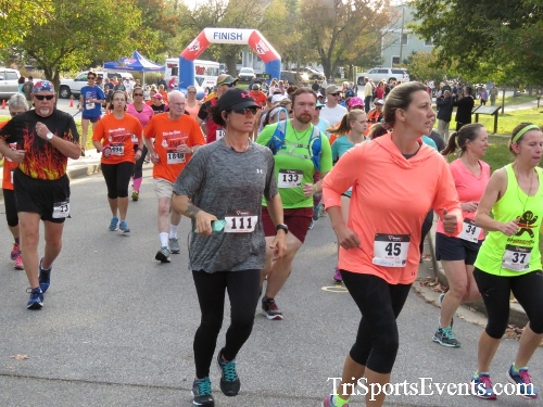 Chester River Challenge Half Marathon & 5K<br><br><br><br><a href='https://www.trisportsevents.com/pics/16_Chester_River_Chall;enge_014.JPG' download='16_Chester_River_Chall;enge_014.JPG'>Click here to download.</a><Br><a href='http://www.facebook.com/sharer.php?u=http:%2F%2Fwww.trisportsevents.com%2Fpics%2F16_Chester_River_Chall;enge_014.JPG&t=Chester River Challenge Half Marathon & 5K' target='_blank'><img src='images/fb_share.png' width='100'></a>