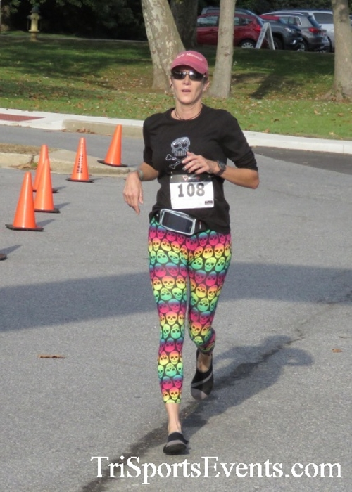 Chester River Challenge Half Marathon & 5K<br><br><br><br><a href='https://www.trisportsevents.com/pics/16_Chester_River_Chall;enge_038.JPG' download='16_Chester_River_Chall;enge_038.JPG'>Click here to download.</a><Br><a href='http://www.facebook.com/sharer.php?u=http:%2F%2Fwww.trisportsevents.com%2Fpics%2F16_Chester_River_Chall;enge_038.JPG&t=Chester River Challenge Half Marathon & 5K' target='_blank'><img src='images/fb_share.png' width='100'></a>