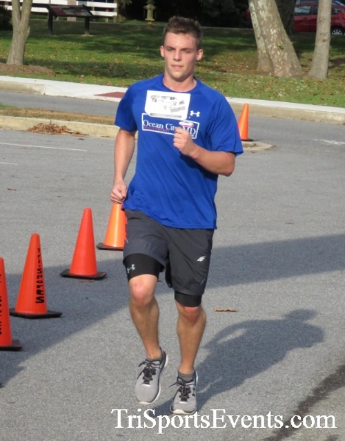 Chester River Challenge Half Marathon & 5K<br><br><br><br><a href='https://www.trisportsevents.com/pics/16_Chester_River_Chall;enge_045.JPG' download='16_Chester_River_Chall;enge_045.JPG'>Click here to download.</a><Br><a href='http://www.facebook.com/sharer.php?u=http:%2F%2Fwww.trisportsevents.com%2Fpics%2F16_Chester_River_Chall;enge_045.JPG&t=Chester River Challenge Half Marathon & 5K' target='_blank'><img src='images/fb_share.png' width='100'></a>