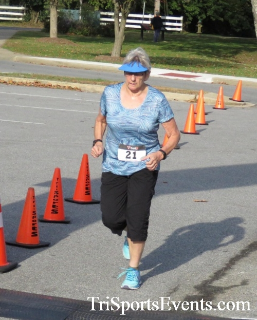 Chester River Challenge Half Marathon & 5K<br><br><br><br><a href='https://www.trisportsevents.com/pics/16_Chester_River_Chall;enge_059.JPG' download='16_Chester_River_Chall;enge_059.JPG'>Click here to download.</a><Br><a href='http://www.facebook.com/sharer.php?u=http:%2F%2Fwww.trisportsevents.com%2Fpics%2F16_Chester_River_Chall;enge_059.JPG&t=Chester River Challenge Half Marathon & 5K' target='_blank'><img src='images/fb_share.png' width='100'></a>