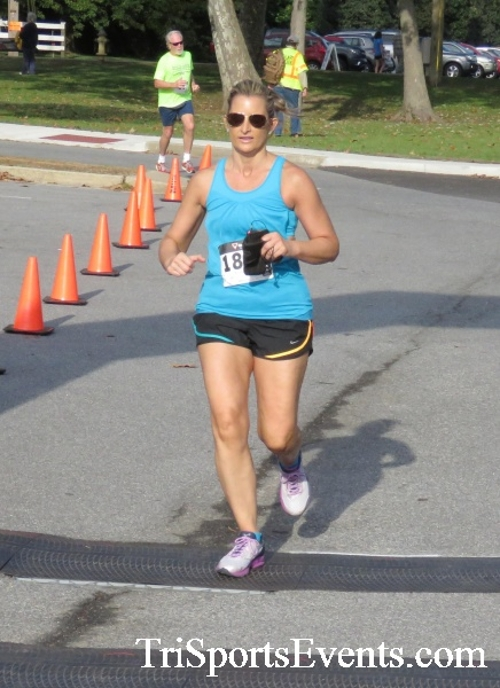 Chester River Challenge Half Marathon & 5K<br><br><br><br><a href='https://www.trisportsevents.com/pics/16_Chester_River_Chall;enge_068.JPG' download='16_Chester_River_Chall;enge_068.JPG'>Click here to download.</a><Br><a href='http://www.facebook.com/sharer.php?u=http:%2F%2Fwww.trisportsevents.com%2Fpics%2F16_Chester_River_Chall;enge_068.JPG&t=Chester River Challenge Half Marathon & 5K' target='_blank'><img src='images/fb_share.png' width='100'></a>