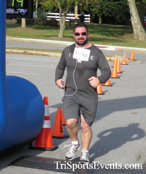 Chester River Challenge Half Marathon & 5K<br><br><br><br><a href='https://www.trisportsevents.com/pics/16_Chester_River_Chall;enge_071.JPG' download='16_Chester_River_Chall;enge_071.JPG'>Click here to download.</a><Br><a href='http://www.facebook.com/sharer.php?u=http:%2F%2Fwww.trisportsevents.com%2Fpics%2F16_Chester_River_Chall;enge_071.JPG&t=Chester River Challenge Half Marathon & 5K' target='_blank'><img src='images/fb_share.png' width='100'></a>