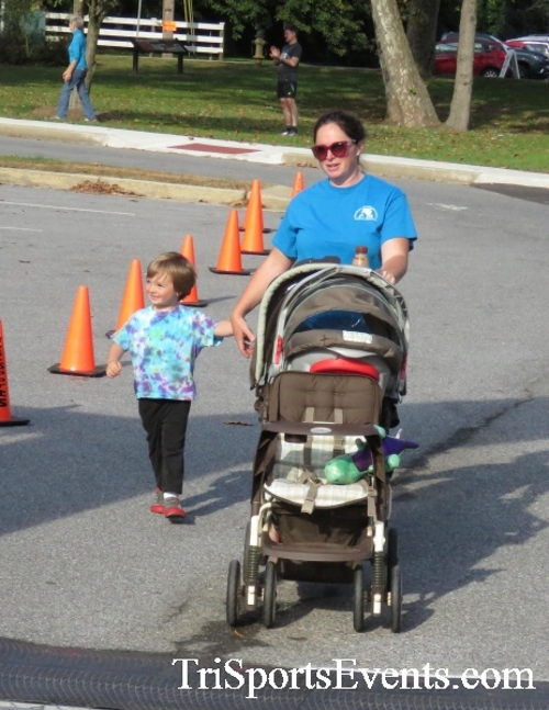 Chester River Challenge Half Marathon & 5K<br><br><br><br><a href='https://www.trisportsevents.com/pics/16_Chester_River_Chall;enge_109.JPG' download='16_Chester_River_Chall;enge_109.JPG'>Click here to download.</a><Br><a href='http://www.facebook.com/sharer.php?u=http:%2F%2Fwww.trisportsevents.com%2Fpics%2F16_Chester_River_Chall;enge_109.JPG&t=Chester River Challenge Half Marathon & 5K' target='_blank'><img src='images/fb_share.png' width='100'></a>