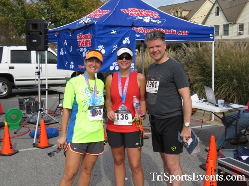 Chester River Challenge Half Marathon & 5K<br><br><br><br><a href='https://www.trisportsevents.com/pics/16_Chester_River_Chall;enge_194.JPG' download='16_Chester_River_Chall;enge_194.JPG'>Click here to download.</a><Br><a href='http://www.facebook.com/sharer.php?u=http:%2F%2Fwww.trisportsevents.com%2Fpics%2F16_Chester_River_Chall;enge_194.JPG&t=Chester River Challenge Half Marathon & 5K' target='_blank'><img src='images/fb_share.png' width='100'></a>