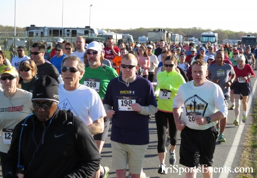Dover Air Force Base Heritage Half Marathon & 5K<br><br><br><br><a href='http://www.trisportsevents.com/pics/16_DAFB_Half_&_5K_023.JPG' download='16_DAFB_Half_&_5K_023.JPG'>Click here to download.</a><Br><a href='http://www.facebook.com/sharer.php?u=http:%2F%2Fwww.trisportsevents.com%2Fpics%2F16_DAFB_Half_&_5K_023.JPG&t=Dover Air Force Base Heritage Half Marathon & 5K' target='_blank'><img src='images/fb_share.png' width='100'></a>