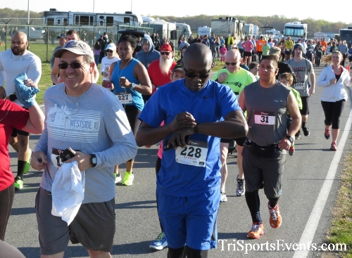 Dover Air Force Base Heritage Half Marathon & 5K<br><br><br><br><a href='http://www.trisportsevents.com/pics/16_DAFB_Half_&_5K_028.JPG' download='16_DAFB_Half_&_5K_028.JPG'>Click here to download.</a><Br><a href='http://www.facebook.com/sharer.php?u=http:%2F%2Fwww.trisportsevents.com%2Fpics%2F16_DAFB_Half_&_5K_028.JPG&t=Dover Air Force Base Heritage Half Marathon & 5K' target='_blank'><img src='images/fb_share.png' width='100'></a>