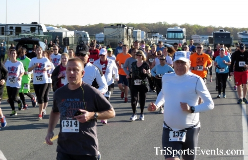 Dover Air Force Base Heritage Half Marathon & 5K<br><br><br><br><a href='http://www.trisportsevents.com/pics/16_DAFB_Half_&_5K_035.JPG' download='16_DAFB_Half_&_5K_035.JPG'>Click here to download.</a><Br><a href='http://www.facebook.com/sharer.php?u=http:%2F%2Fwww.trisportsevents.com%2Fpics%2F16_DAFB_Half_&_5K_035.JPG&t=Dover Air Force Base Heritage Half Marathon & 5K' target='_blank'><img src='images/fb_share.png' width='100'></a>