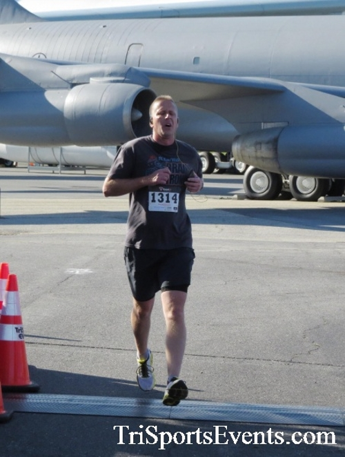 Dover Air Force Base Heritage Half Marathon & 5K<br><br><br><br><a href='http://www.trisportsevents.com/pics/16_DAFB_Half_&_5K_062.JPG' download='16_DAFB_Half_&_5K_062.JPG'>Click here to download.</a><Br><a href='http://www.facebook.com/sharer.php?u=http:%2F%2Fwww.trisportsevents.com%2Fpics%2F16_DAFB_Half_&_5K_062.JPG&t=Dover Air Force Base Heritage Half Marathon & 5K' target='_blank'><img src='images/fb_share.png' width='100'></a>