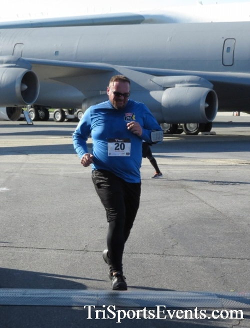 Dover Air Force Base Heritage Half Marathon & 5K<br><br><br><br><a href='http://www.trisportsevents.com/pics/16_DAFB_Half_&_5K_075.JPG' download='16_DAFB_Half_&_5K_075.JPG'>Click here to download.</a><Br><a href='http://www.facebook.com/sharer.php?u=http:%2F%2Fwww.trisportsevents.com%2Fpics%2F16_DAFB_Half_&_5K_075.JPG&t=Dover Air Force Base Heritage Half Marathon & 5K' target='_blank'><img src='images/fb_share.png' width='100'></a>