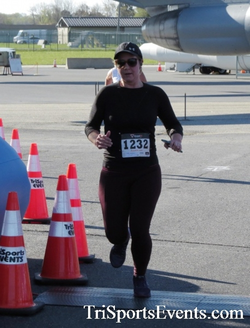 Dover Air Force Base Heritage Half Marathon & 5K<br><br><br><br><a href='http://www.trisportsevents.com/pics/16_DAFB_Half_&_5K_081.JPG' download='16_DAFB_Half_&_5K_081.JPG'>Click here to download.</a><Br><a href='http://www.facebook.com/sharer.php?u=http:%2F%2Fwww.trisportsevents.com%2Fpics%2F16_DAFB_Half_&_5K_081.JPG&t=Dover Air Force Base Heritage Half Marathon & 5K' target='_blank'><img src='images/fb_share.png' width='100'></a>