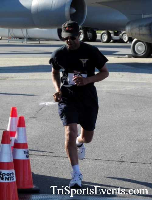 Dover Air Force Base Heritage Half Marathon & 5K<br><br><br><br><a href='http://www.trisportsevents.com/pics/16_DAFB_Half_&_5K_085.JPG' download='16_DAFB_Half_&_5K_085.JPG'>Click here to download.</a><Br><a href='http://www.facebook.com/sharer.php?u=http:%2F%2Fwww.trisportsevents.com%2Fpics%2F16_DAFB_Half_&_5K_085.JPG&t=Dover Air Force Base Heritage Half Marathon & 5K' target='_blank'><img src='images/fb_share.png' width='100'></a>