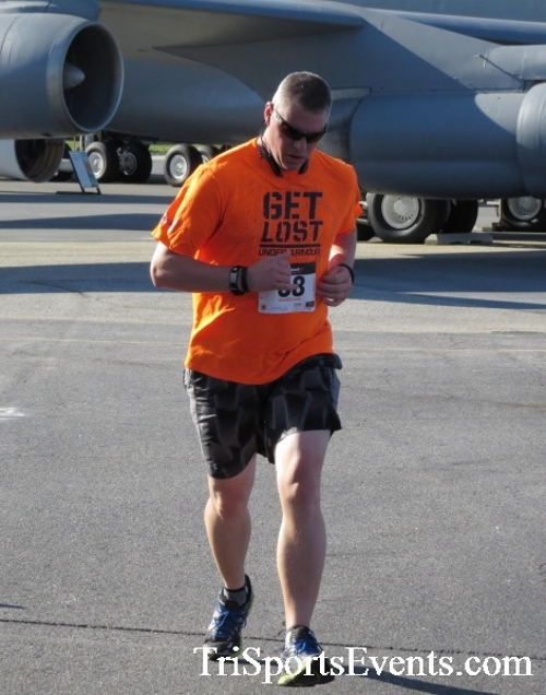 Dover Air Force Base Heritage Half Marathon & 5K<br><br><br><br><a href='http://www.trisportsevents.com/pics/16_DAFB_Half_&_5K_093.JPG' download='16_DAFB_Half_&_5K_093.JPG'>Click here to download.</a><Br><a href='http://www.facebook.com/sharer.php?u=http:%2F%2Fwww.trisportsevents.com%2Fpics%2F16_DAFB_Half_&_5K_093.JPG&t=Dover Air Force Base Heritage Half Marathon & 5K' target='_blank'><img src='images/fb_share.png' width='100'></a>