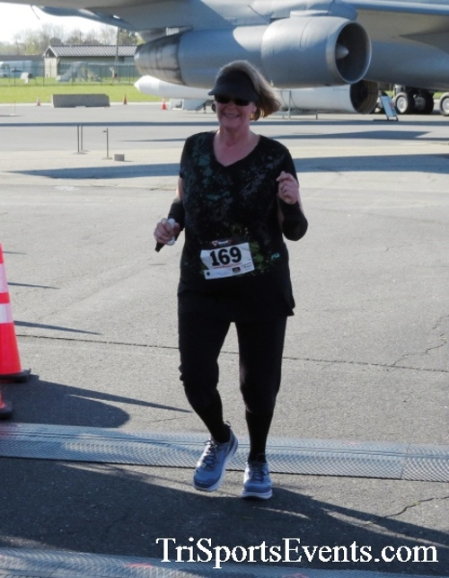 Dover Air Force Base Heritage Half Marathon & 5K<br><br><br><br><a href='http://www.trisportsevents.com/pics/16_DAFB_Half_&_5K_126.JPG' download='16_DAFB_Half_&_5K_126.JPG'>Click here to download.</a><Br><a href='http://www.facebook.com/sharer.php?u=http:%2F%2Fwww.trisportsevents.com%2Fpics%2F16_DAFB_Half_&_5K_126.JPG&t=Dover Air Force Base Heritage Half Marathon & 5K' target='_blank'><img src='images/fb_share.png' width='100'></a>
