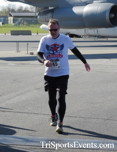Dover Air Force Base Heritage Half Marathon & 5K<br><br><br><br><a href='http://www.trisportsevents.com/pics/16_DAFB_Half_&_5K_131.JPG' download='16_DAFB_Half_&_5K_131.JPG'>Click here to download.</a><Br><a href='http://www.facebook.com/sharer.php?u=http:%2F%2Fwww.trisportsevents.com%2Fpics%2F16_DAFB_Half_&_5K_131.JPG&t=Dover Air Force Base Heritage Half Marathon & 5K' target='_blank'><img src='images/fb_share.png' width='100'></a>