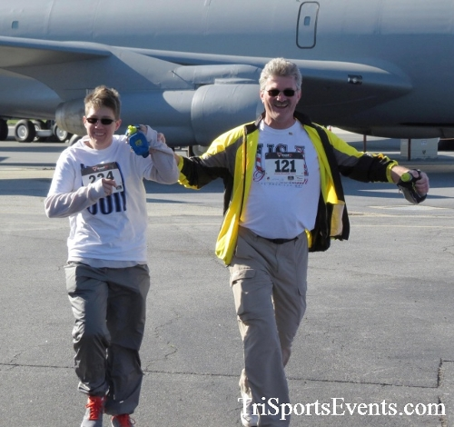 Dover Air Force Base Heritage Half Marathon & 5K<br><br><br><br><a href='http://www.trisportsevents.com/pics/16_DAFB_Half_&_5K_133.JPG' download='16_DAFB_Half_&_5K_133.JPG'>Click here to download.</a><Br><a href='http://www.facebook.com/sharer.php?u=http:%2F%2Fwww.trisportsevents.com%2Fpics%2F16_DAFB_Half_&_5K_133.JPG&t=Dover Air Force Base Heritage Half Marathon & 5K' target='_blank'><img src='images/fb_share.png' width='100'></a>