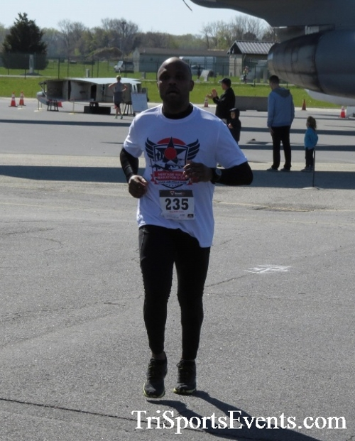 Dover Air Force Base Heritage Half Marathon & 5K<br><br><br><br><a href='http://www.trisportsevents.com/pics/16_DAFB_Half_&_5K_236.JPG' download='16_DAFB_Half_&_5K_236.JPG'>Click here to download.</a><Br><a href='http://www.facebook.com/sharer.php?u=http:%2F%2Fwww.trisportsevents.com%2Fpics%2F16_DAFB_Half_&_5K_236.JPG&t=Dover Air Force Base Heritage Half Marathon & 5K' target='_blank'><img src='images/fb_share.png' width='100'></a>